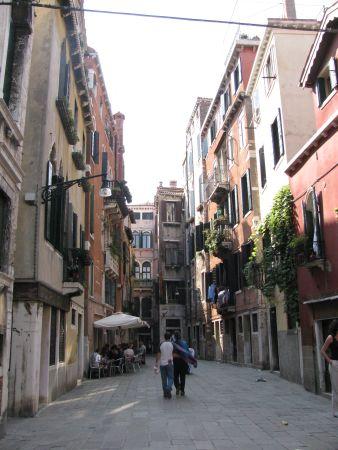 2.downstreet